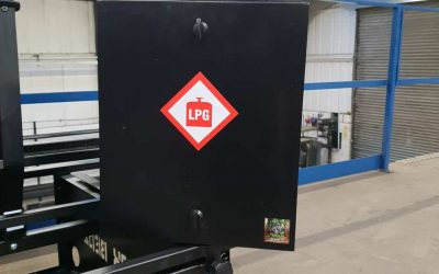 New Large Gas-Locker with Removable Door